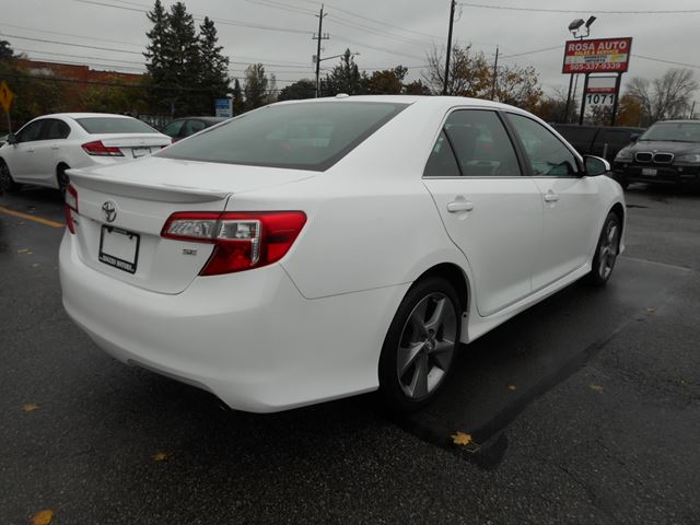2014 toyota camry se navi reverse cam oakville ontario used car for sale 2626058. Black Bedroom Furniture Sets. Home Design Ideas