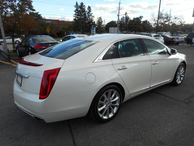 2013 cadillac xts 4 navi reverse cam oakville ontario used car for sale 2626060. Black Bedroom Furniture Sets. Home Design Ideas