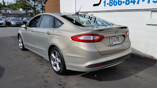 2016 ford fusion se north bay ontario used car for sale 2625745. Black Bedroom Furniture Sets. Home Design Ideas
