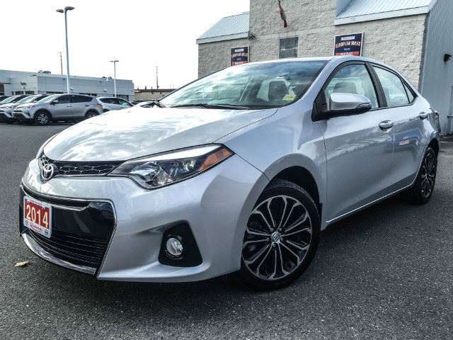 2014 toyota corolla l sport leather cobourg ontario used car for sale 2626089. Black Bedroom Furniture Sets. Home Design Ideas