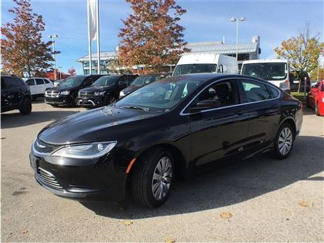 2016 chrysler 200 lx mississauga ontario used car for. Black Bedroom Furniture Sets. Home Design Ideas