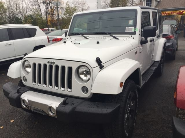 2016 JEEP Wrangler Unlimited Sahara in Brockville, Ontario