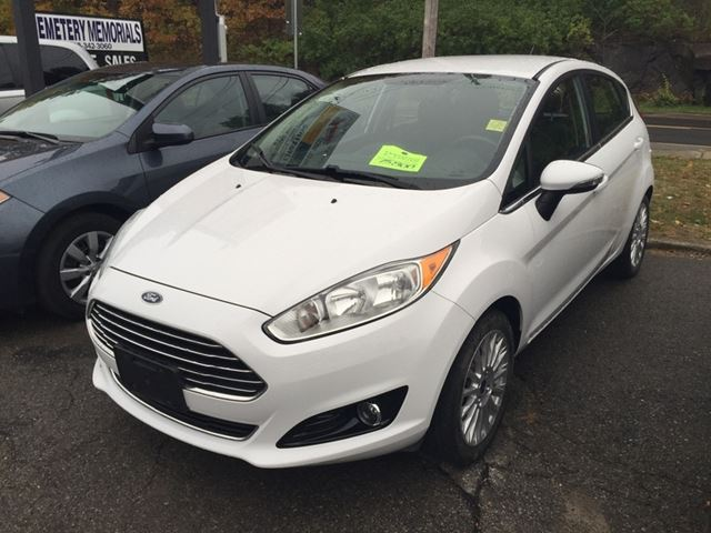 2014 FORD Fiesta Titanium Hatchback in Brockville, Ontario