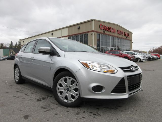 2014 ford focus se a c bt htd seats just 28k. Black Bedroom Furniture Sets. Home Design Ideas
