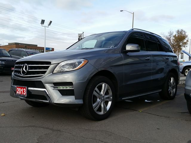 2013 mercedes benz m class ml350 bluetec brampton ontario used car for sale 2628093. Black Bedroom Furniture Sets. Home Design Ideas