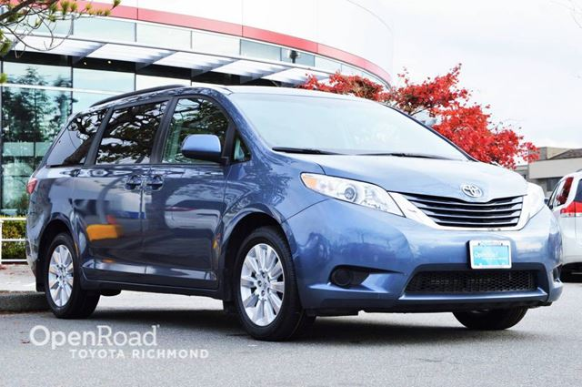 2015 toyota sienna le richmond british columbia used car for sale 2628638. Black Bedroom Furniture Sets. Home Design Ideas