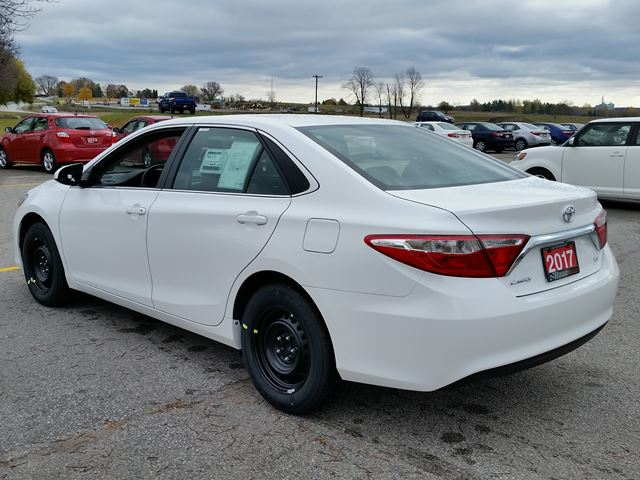2017 toyota camry le lindsay ontario new car for sale 2630096. Black Bedroom Furniture Sets. Home Design Ideas
