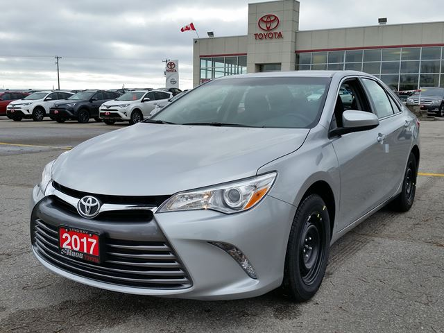 2017 toyota camry le lindsay ontario new car for sale 2630098. Black Bedroom Furniture Sets. Home Design Ideas