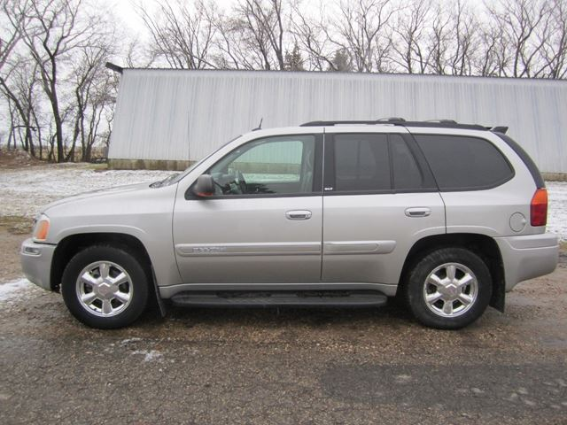 2005 gmc envoy slt melfort saskatchewan used car for sale 2630846. Black Bedroom Furniture Sets. Home Design Ideas