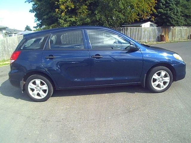 2004 toyota matrix cambridge ontario used car for sale. Black Bedroom Furniture Sets. Home Design Ideas