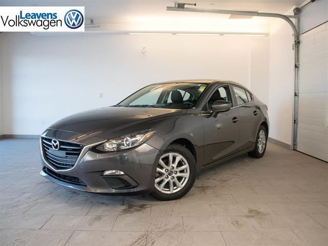 2014 mazda mazda3 gs sky london ontario used car for sale 2631934. Black Bedroom Furniture Sets. Home Design Ideas