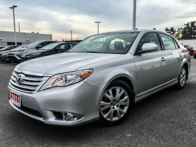 2011 toyota avalon limited only 21 716 kms cobourg. Black Bedroom Furniture Sets. Home Design Ideas