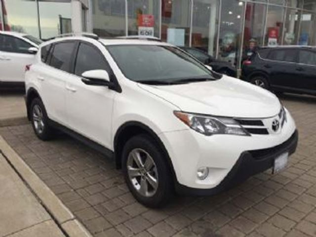 2015 toyota rav4 awd xle mississauga ontario used car for sale 2632815. Black Bedroom Furniture Sets. Home Design Ideas