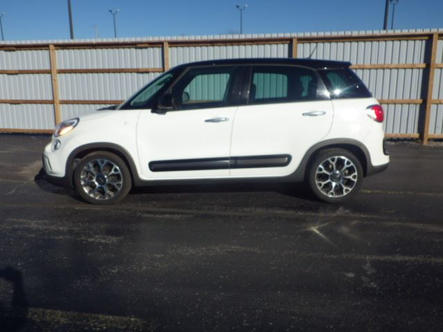 2014 fiat 500l trekking turbo white haldimand motors. Black Bedroom Furniture Sets. Home Design Ideas