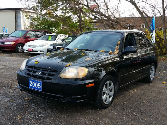 2005 hyundai accent gl cert etested black gb services. Black Bedroom Furniture Sets. Home Design Ideas