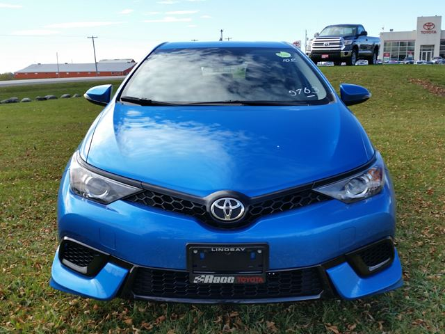 2017 toyota corolla im lindsay ontario new car for sale 2636064. Black Bedroom Furniture Sets. Home Design Ideas