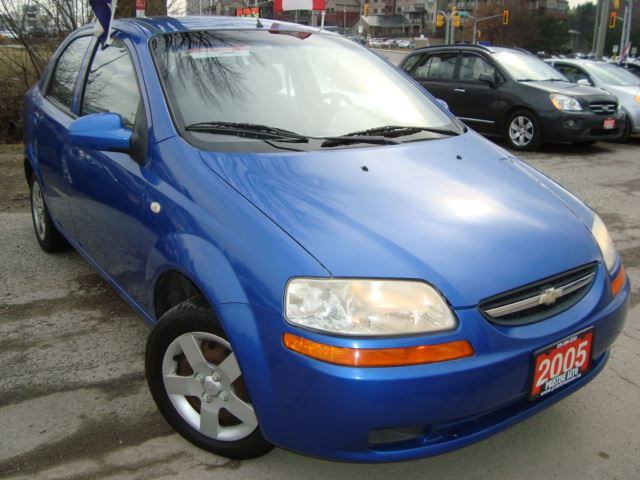 2005 chevrolet aveo lt only 79km accident rust free. Black Bedroom Furniture Sets. Home Design Ideas