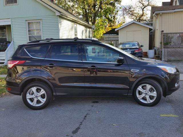 2013 ford escape se 4wd st catharines ontario used car for sale 2637154. Black Bedroom Furniture Sets. Home Design Ideas