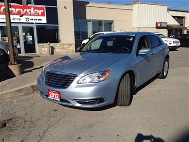 2012 chrysler 200 lx milton ontario used car for sale. Black Bedroom Furniture Sets. Home Design Ideas