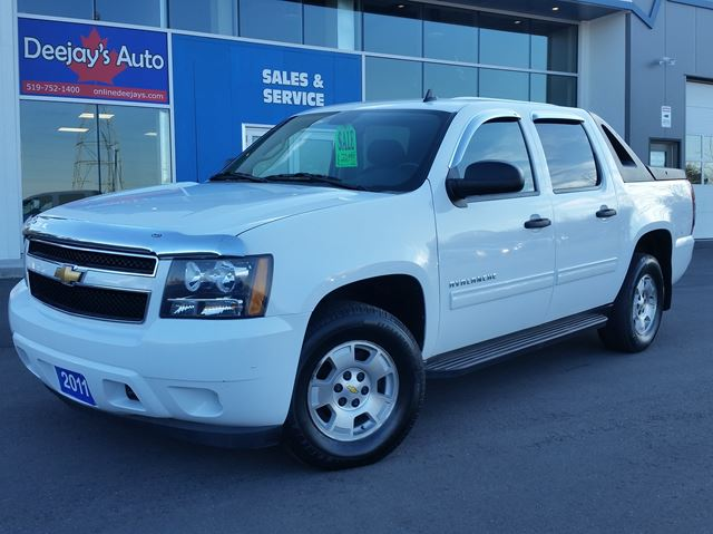 2011 chevrolet avalanche ls 4x4 brantford ontario used car for sale 2639383. Black Bedroom Furniture Sets. Home Design Ideas