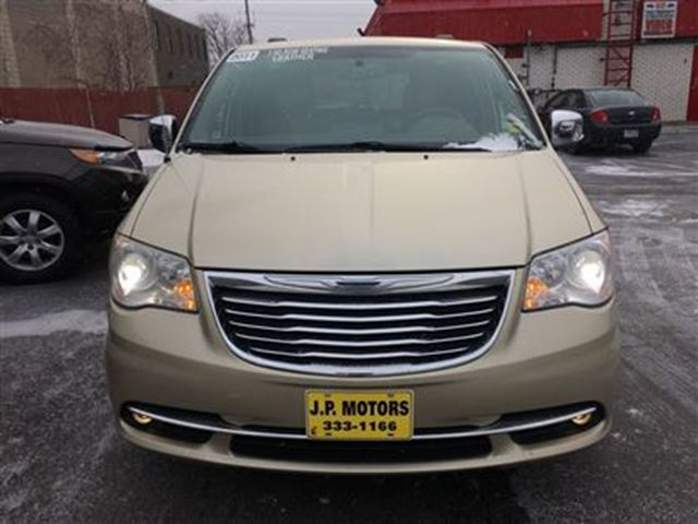 2011 chrysler town and country limited automatic leather power sliding doors burlington. Black Bedroom Furniture Sets. Home Design Ideas