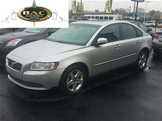 2010 volvo s40 hamilton ontario used car for sale 2640876. Black Bedroom Furniture Sets. Home Design Ideas