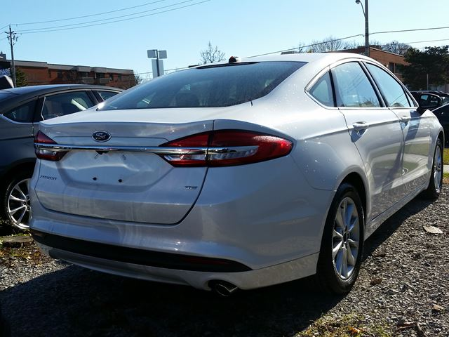 2017 ford fusion se scarborough ontario used car for sale 2640810. Black Bedroom Furniture Sets. Home Design Ideas
