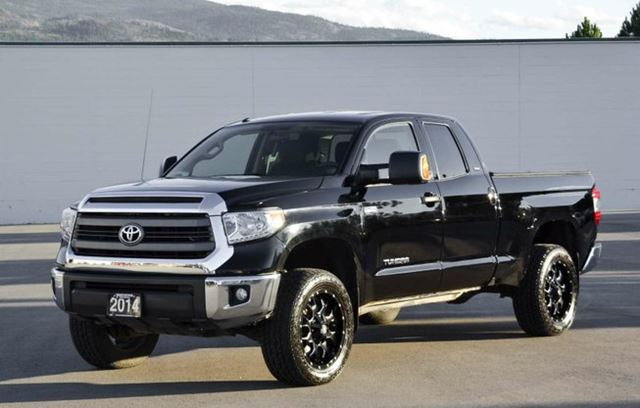 2014 toyota tundra sr5 plus package black penticton. Black Bedroom Furniture Sets. Home Design Ideas