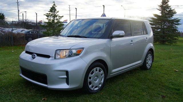 2011 Scion xB 5 SPEED MANUAL * POWER GROUP OPTIONS * TINTED W in Woodbridge, Ontario