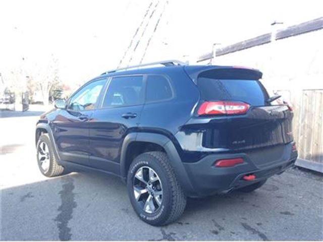 2016 jeep cherokee trailhawk ottawa ontario used car for sale 2643395. Black Bedroom Furniture Sets. Home Design Ideas