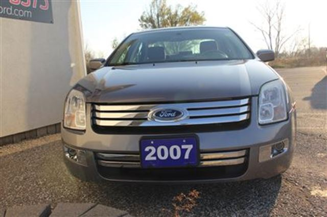 2007 ford fusion sel 3 0l v6 essex ontario used car for sale 2642973. Black Bedroom Furniture Sets. Home Design Ideas