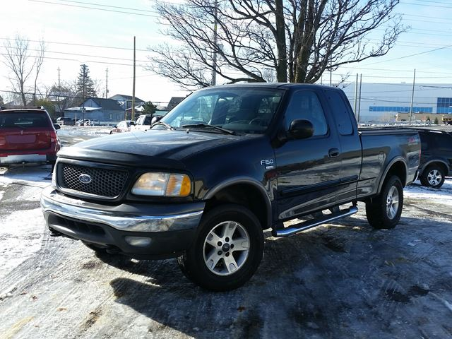 2003 ford f 150 xlt ottawa ontario used car for sale 2645360. Black Bedroom Furniture Sets. Home Design Ideas