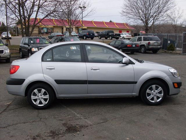 2006 kia rio one owner only 86 000 km dealer serviced ottawa ontario used car for sale 2646381. Black Bedroom Furniture Sets. Home Design Ideas
