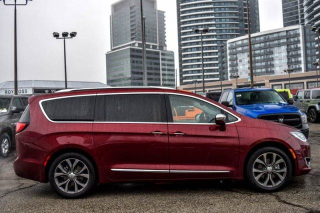 2017 chrysler pacifica limited tire wheel adv safetytec uconnect theater pkgs nav pano sunroof. Black Bedroom Furniture Sets. Home Design Ideas