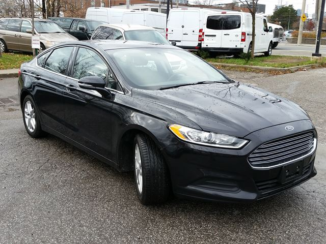 2014 ford fusion se mississauga ontario used car for sale 2647684. Black Bedroom Furniture Sets. Home Design Ideas