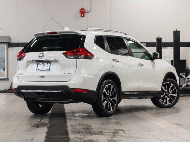 2017 nissan rogue sl platinum all wheel drive kelowna british columbia used car for sale. Black Bedroom Furniture Sets. Home Design Ideas