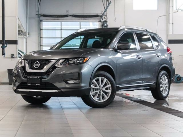 2017 nissan rogue sv all wheel drive with moonroof technology and family package kelowna. Black Bedroom Furniture Sets. Home Design Ideas