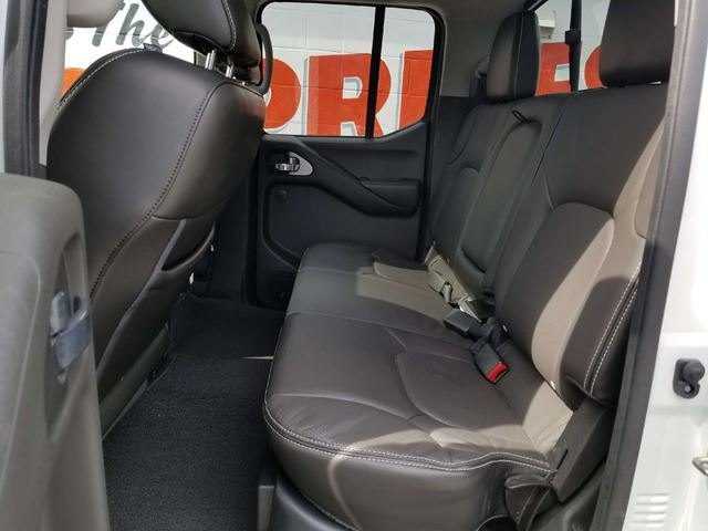 2016 nissan frontier pro 4x leather sun roof 4x4 oshawa ontario used car for sale 2648919. Black Bedroom Furniture Sets. Home Design Ideas