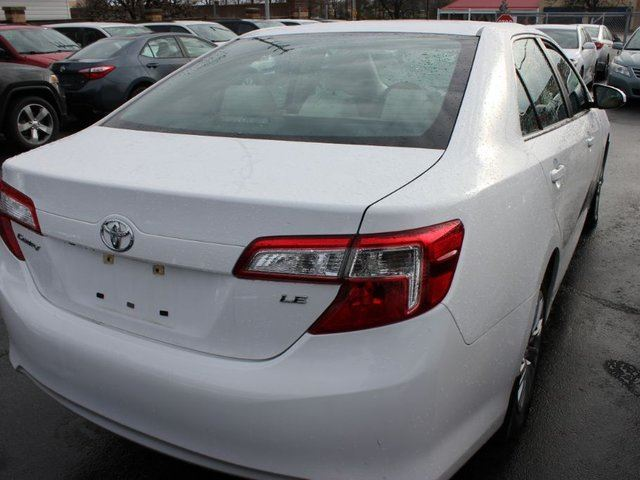 2014 toyota camry le brampton ontario used car for sale 2650492. Black Bedroom Furniture Sets. Home Design Ideas
