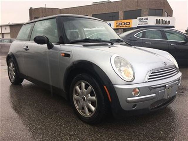 2004 mini cooper base silver gorruds auto group milton. Black Bedroom Furniture Sets. Home Design Ideas