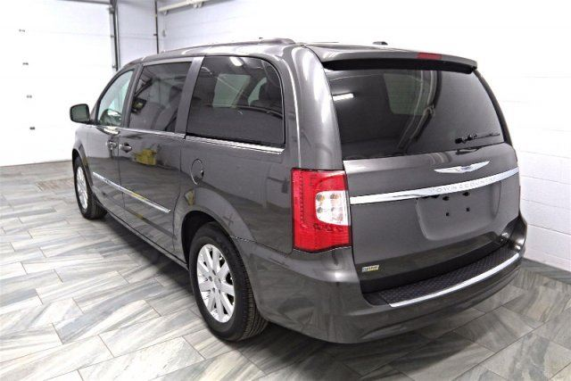 2015 chrysler town and country touring w stow go reverse camera power doors liftgate. Black Bedroom Furniture Sets. Home Design Ideas