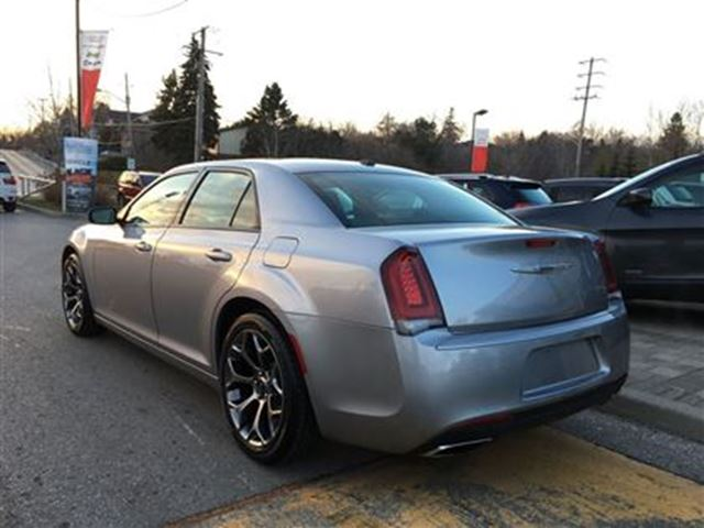 2016 chrysler 300 s pickering ontario used car for sale 2652389. Black Bedroom Furniture Sets. Home Design Ideas
