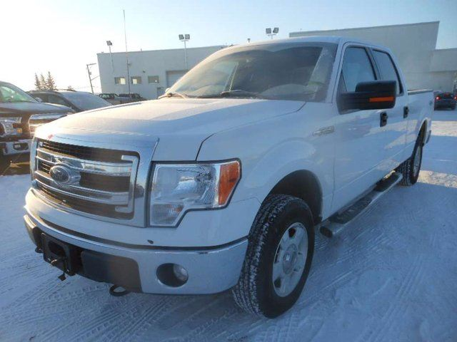 2013 ford f 150 xlt 4x4 supercrew cab 6 5 ft box 157 in wb white capital motors dawson creek. Black Bedroom Furniture Sets. Home Design Ideas