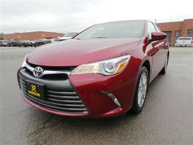 2015 toyota camry le with upgrade bluetooth alloys woodbridge ontario used car for sale. Black Bedroom Furniture Sets. Home Design Ideas