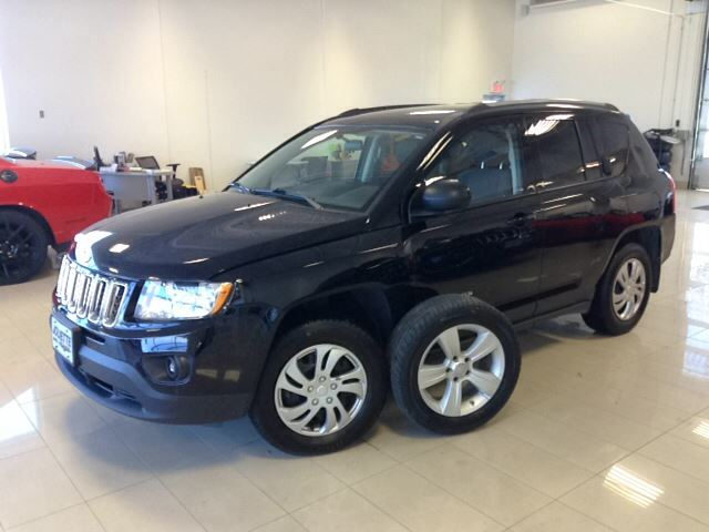 2013 jeep compass north auto 4x4 mag a c noir joliette dodge chrysler. Black Bedroom Furniture Sets. Home Design Ideas