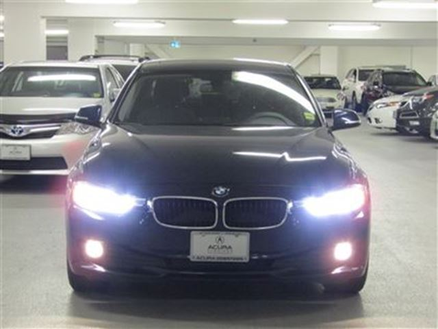 2012 bmw 3 series premium sunroof low kms weekly. Black Bedroom Furniture Sets. Home Design Ideas