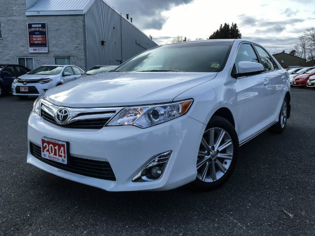 2014 toyota camry l xle one owner serviced here cobourg ontario used car for sale 2659600. Black Bedroom Furniture Sets. Home Design Ideas