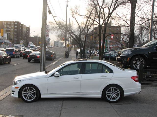 2013 mercedes benz c class c300 4matic technology navi for Average insurance cost for mercedes benz c300