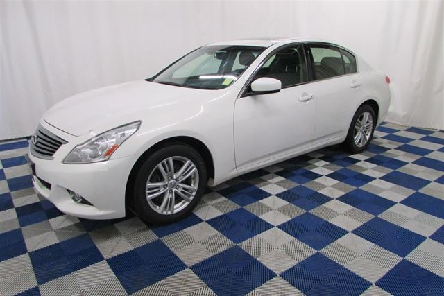 2012 INFINITI G37 x LUX/NAV/MEMORY SEATS/REAR VIEW CAM in Winnipeg, Manitoba