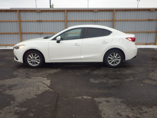 2014 mazda 3 gs skyactive white haldimand motors. Black Bedroom Furniture Sets. Home Design Ideas